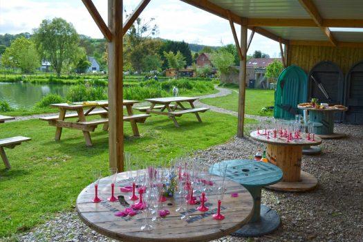 terrasse-reception-mariage-etang-paradis-aquatique